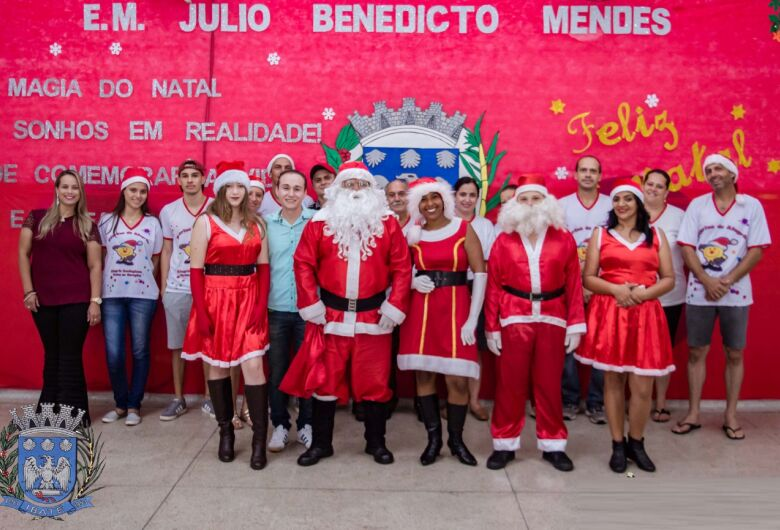 Escola municipal Júlio B. Mendes realiza Cantata de Natal