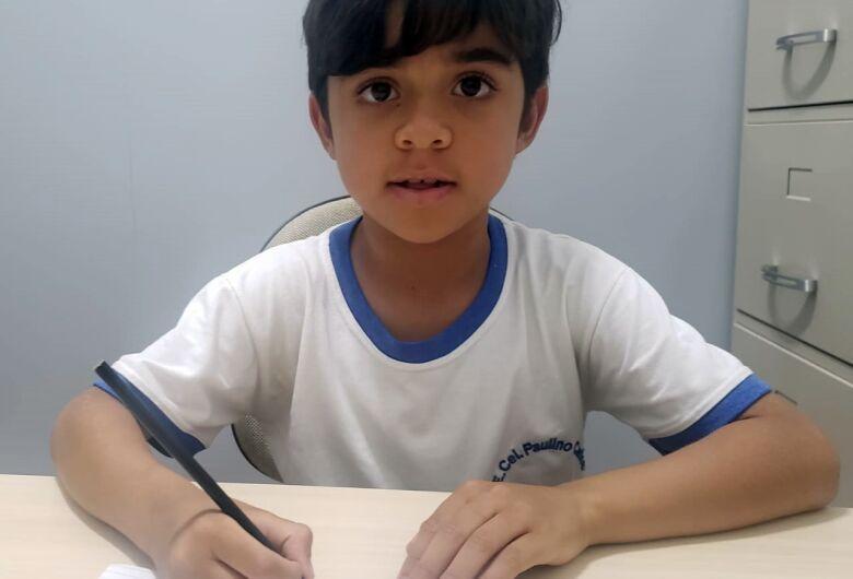 Criança pede a Papai Noel aparelhos de aferição de pressão para ambulatório de nefrologia da Santa Casa