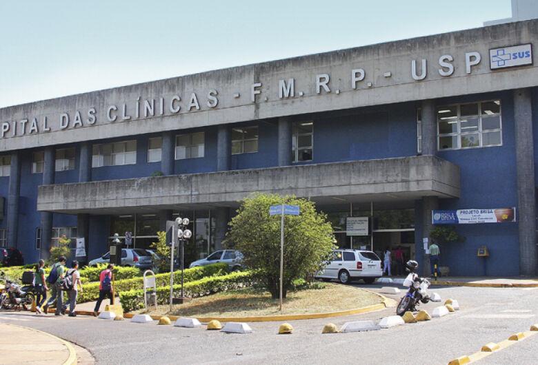 Hospital das Clínicas de Ribeirão Preto realiza cirurgia inédita com robô
