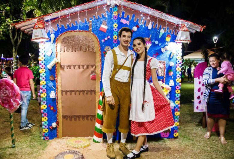 """Segunda semana do """"Natal de Luzes e Sons Ibaté 2019"""" tem gospel Régis Danese na Praça Central"""