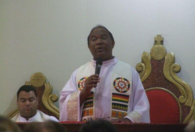 Diocese confirma transferência do Padre Aymoré