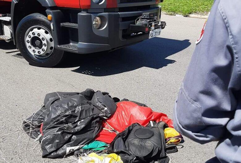 Paraquedista morre em trevo de cidade do interior paulista