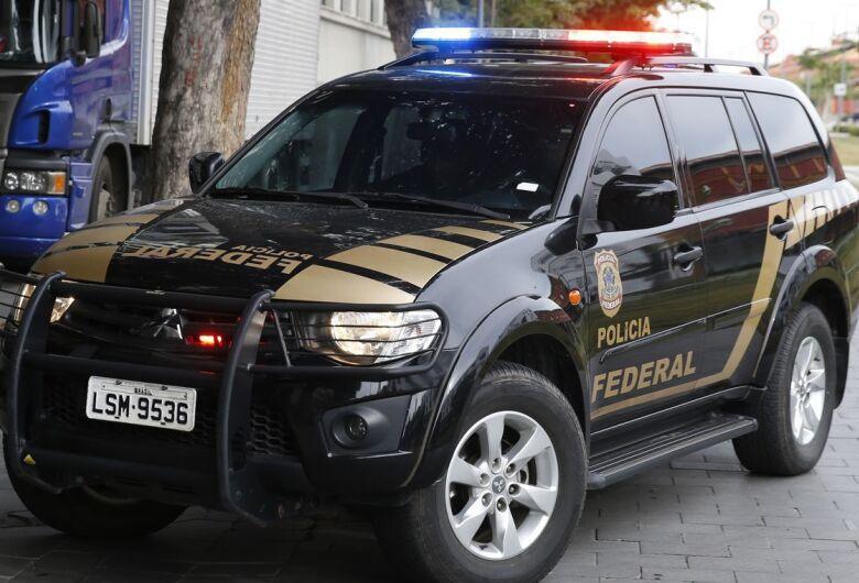 Operação da PF contra o tráfico de drogas cumpre mandado de prisão em Dourado