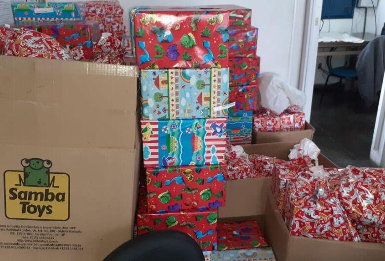 GM faz a entrega de presentes em Cemei no Cidade Aracy
