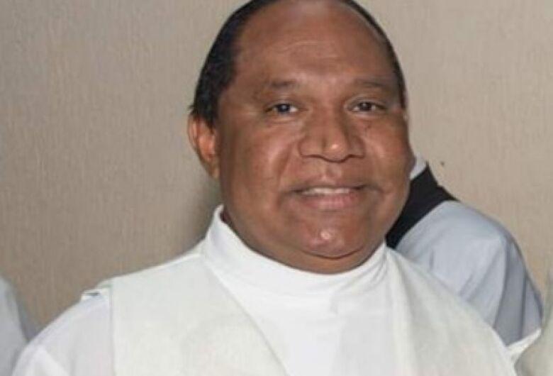Comunidade da Igreja São José mostra descontentamento com possível saída do padre Aymoré