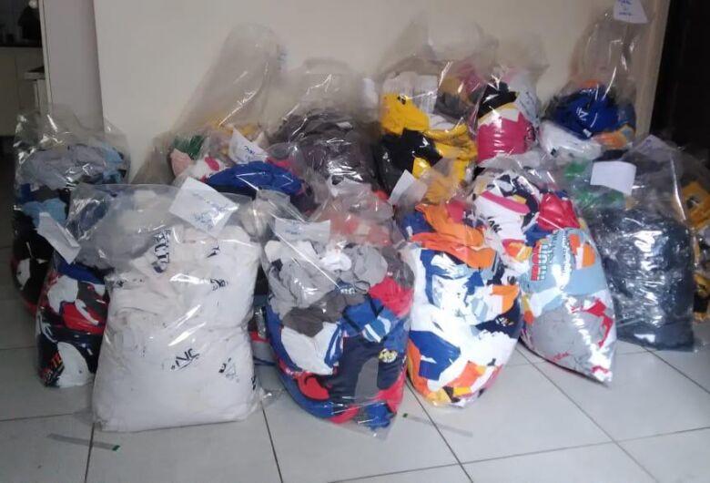 Entidades filantrópicas recebem doação de 5 mil camisetas