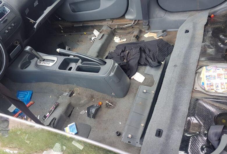 Carro de mulher que cometeu suicídio é encontrado sendo desmontado no São Carlos 8