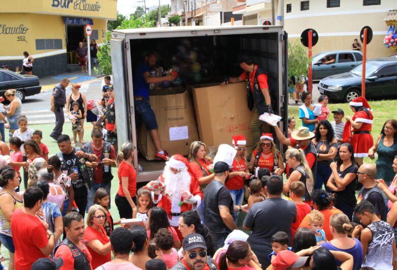Natal Solidário faz a alegria de cerca de 7 mil crianças no Cidade Aracy