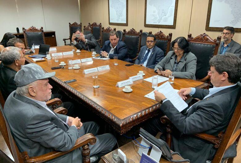 Airton Garcia se reúne com Ministro da Infraestrutura Tarcísio Gomes em busca de recursos