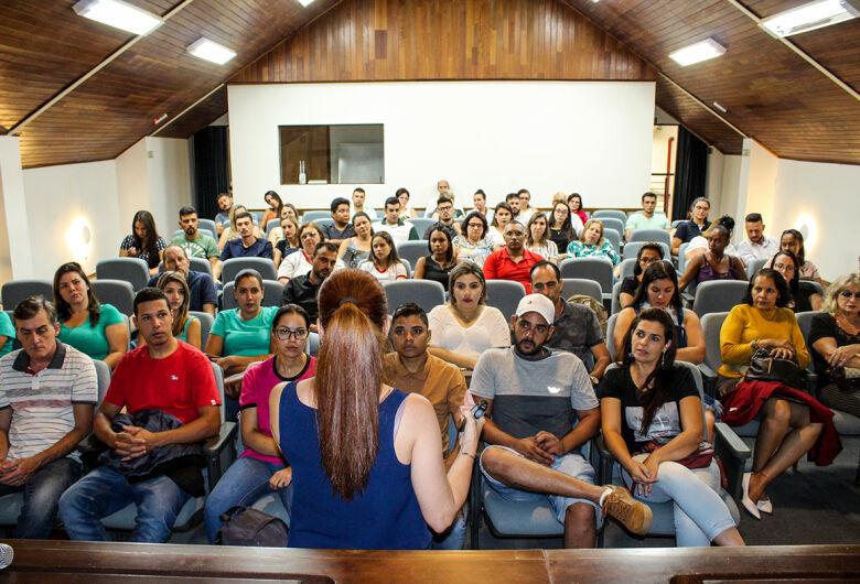 ACISC e Sebrae realizam Oficina 'Atendimento Ao Cliente' com grande adesão de pessoas