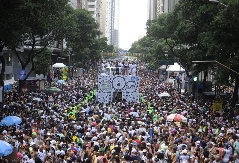 Rio de Janeiro se prepara para 50 dias de carnaval