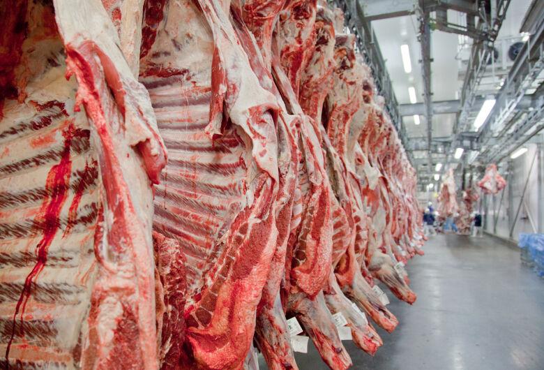 Preço da carne cai para o consumidor, diz Ministério da Agricultura