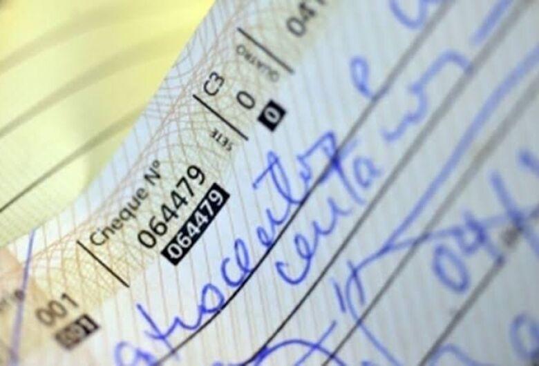 FEBRABAN alerta para o preenchimento correto dos cheques após a virada do ano