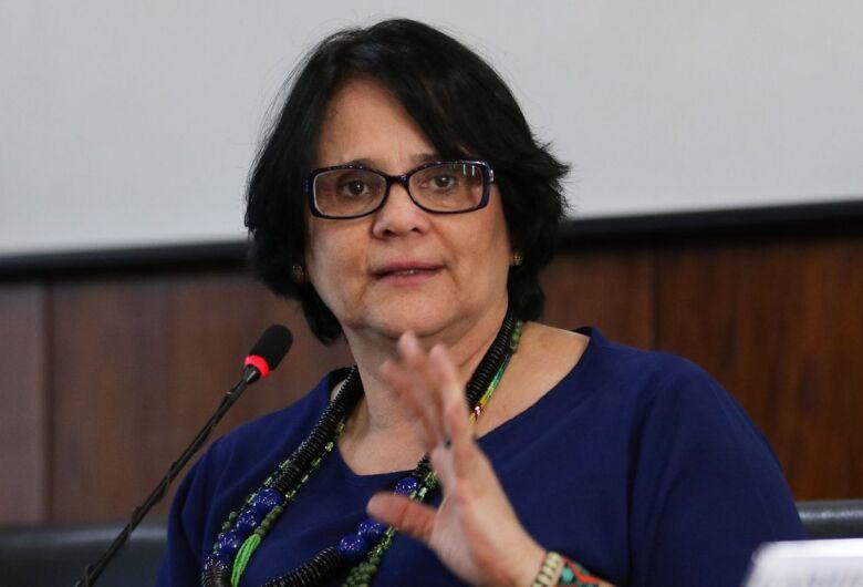 Ministra Damares Alves estará em São Carlos neste sábado (18)