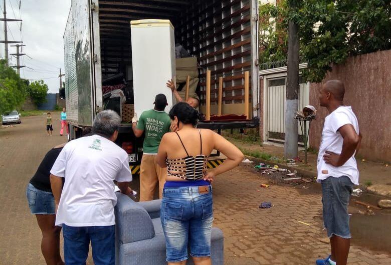 Fundo Social inicia doações de móveis e eletrodomésticos para famílias atingidas pela chuva