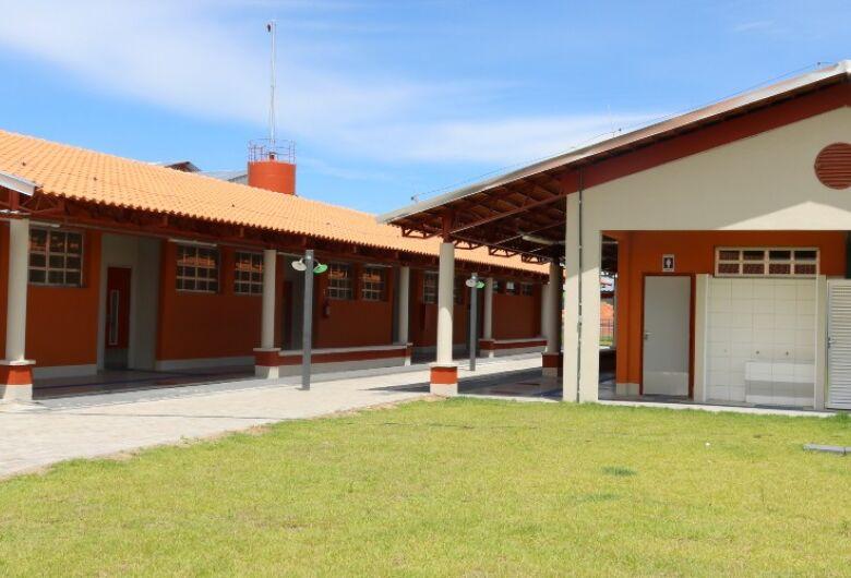 Secretaria da Educação confirma entrega de escolas no Abdelnur e Araucária nos próximos dois meses