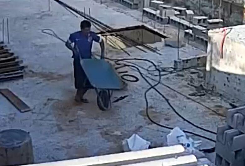 Dupla furta obras em São Carlos e deixa proprietários em alerta