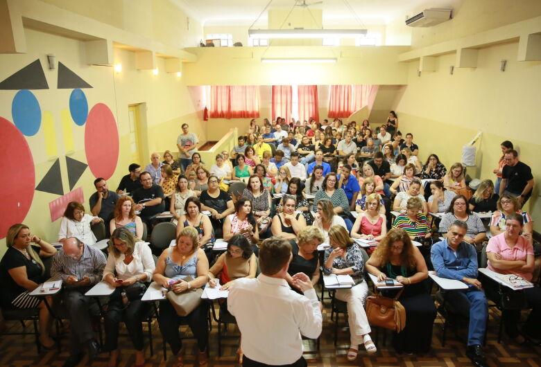 Secretaria da Educação abre processo seletivo para diretores e supervisores