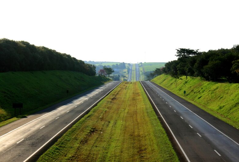 Consórcio paga R$ 1,1 bilhão para administrar rodovias em São Paulo