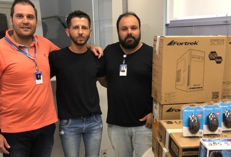UPA Santa Felícia recebe computadores através de emenda do vereador Elton Carvalho
