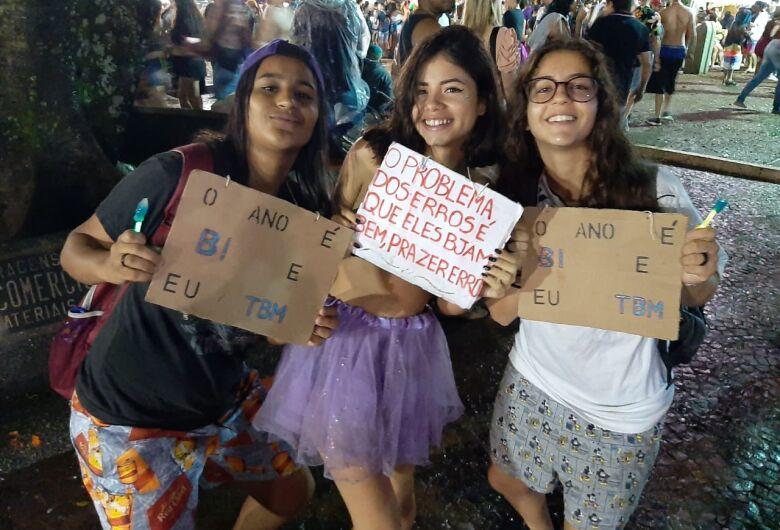Na Fesc, na Praça XV e no Milton Olaio, segundona de pura agitação