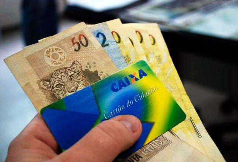 Caixa inicia pagamento do abono salarial para trabalhadores nascidos em março e abril