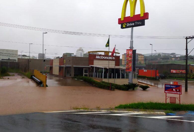 Em 24 horas, chuva atinge 126,8 mm em São Carlos