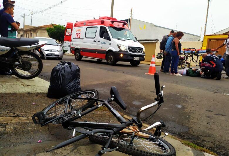 Acidente envolvendo moto, bicicleta e ônibus deixa criança ferida no Cruzeiro do Sul