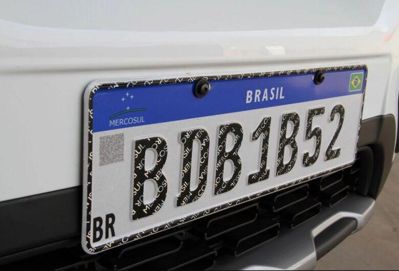 Proprietários de veículos estão insatisfeitos com o valor das novas placas em São Carlos
