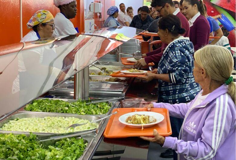 Moradores do Antenor Garcia já podem se alimentar por R$ 1,00 no novo Restaurante Popular