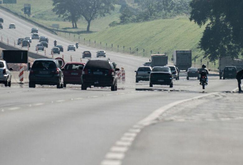 Rodovias paulistas apresentam tráfego intenso nesta quarta-feira