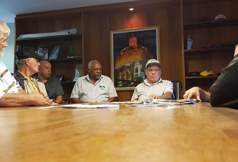 Assinado acordo coletivo que regulamenta carga horária dos vigias do município