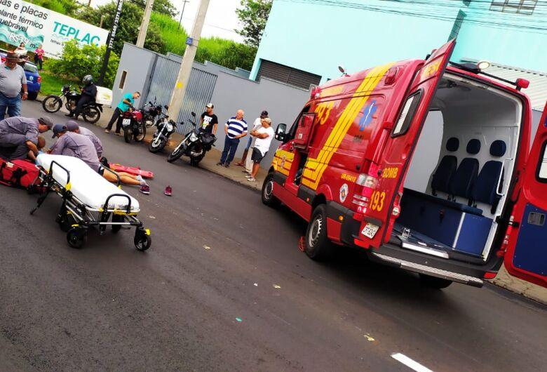 Motociclista sofre trauma na cabeça após colisão no Botafogo
