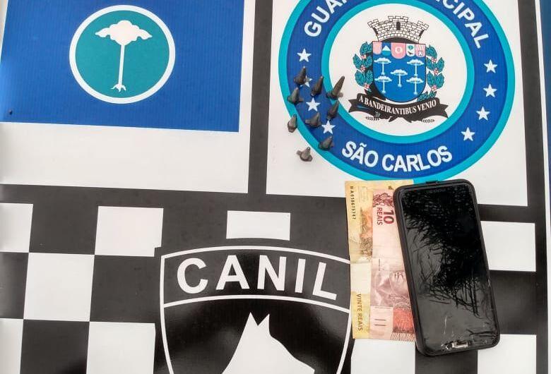 Suspeito é detido com entorpecentes em praça pública no Fagá