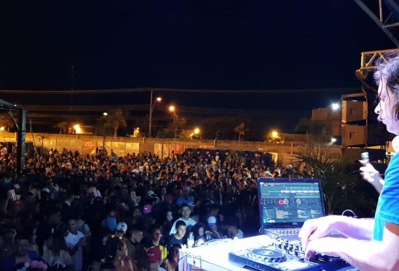 Festas populares agitam o domingo de Carnaval em São Carlos