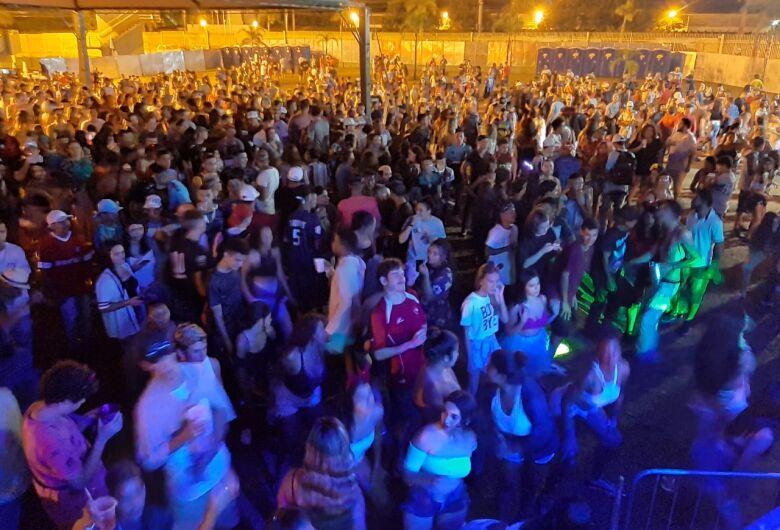 Com muita agitação, marchinhas na praça XV e 'pancadão' no Olaio encerram Carnaval em São Carlos