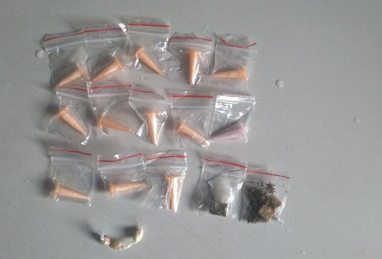 Polícia apreende cocaína, crack e maconha