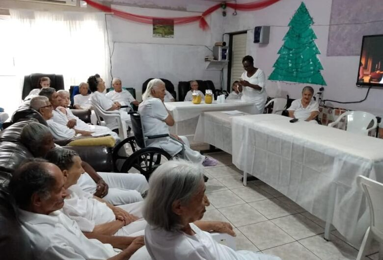Abrigo de idosos passa por necessidade urgente e ação social busca doações para 49 idosos