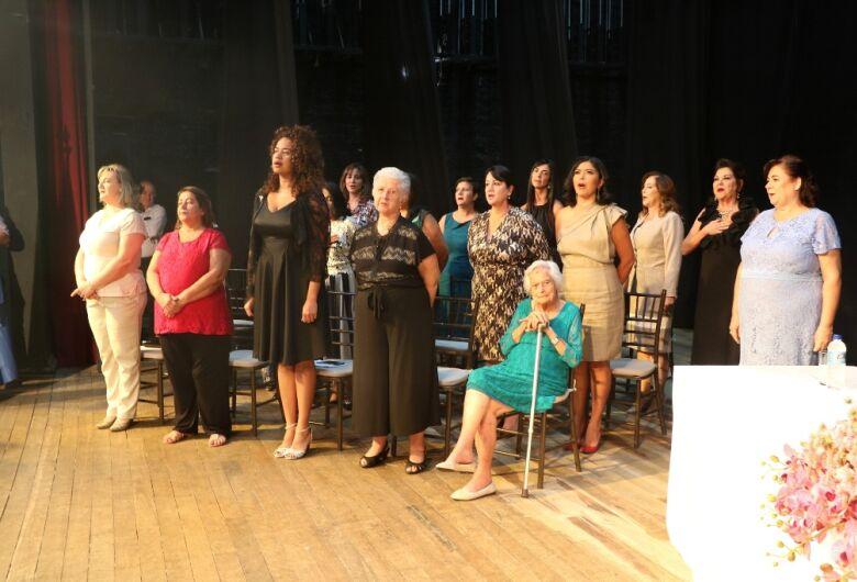 Sessão solene comemora o Dia Internacional da Mulher