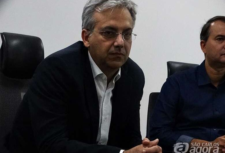 """Presidente da Unimed São Carlos enfatiza necessidade da quarentena; Sistema público não suporta """"avalanche de casos"""""""