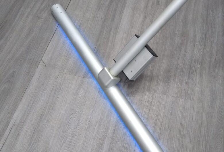 Instituto de Física - USP entrega dois Rodos de Luz Ultra Violeta ( UV-C) à Santa Casa de São Carlos para descontaminar ambientes e combater o CoronaVírus – Covid 19 no Hospital