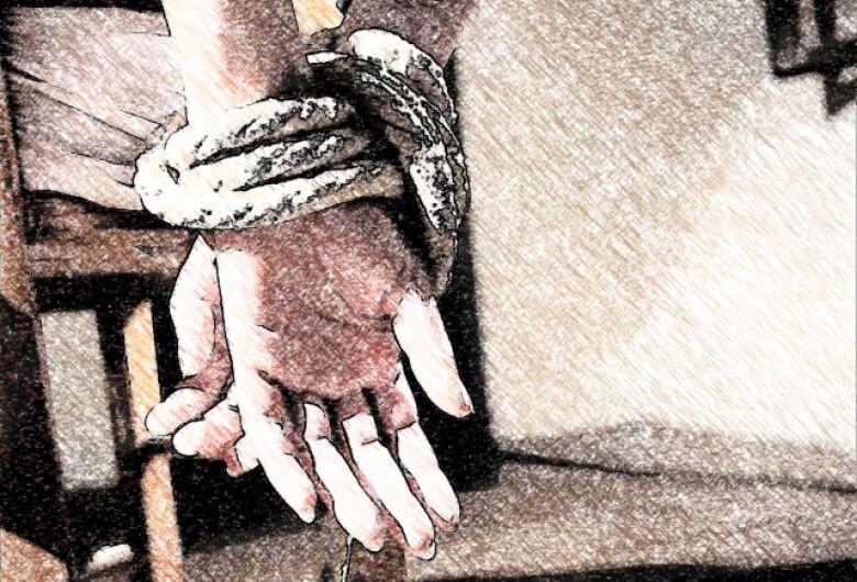 Jovem acusa ex-marido de rapto e estupro