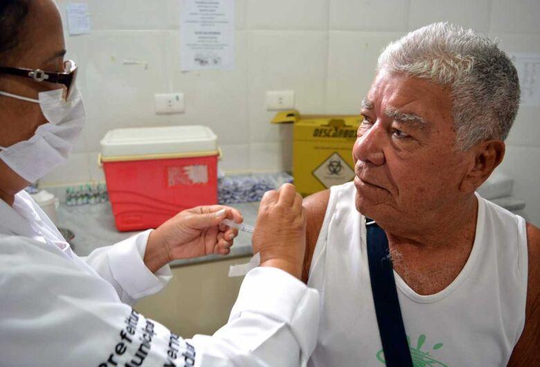 São Carlos aplica mais de 22 mil doses da vacina contra a gripe