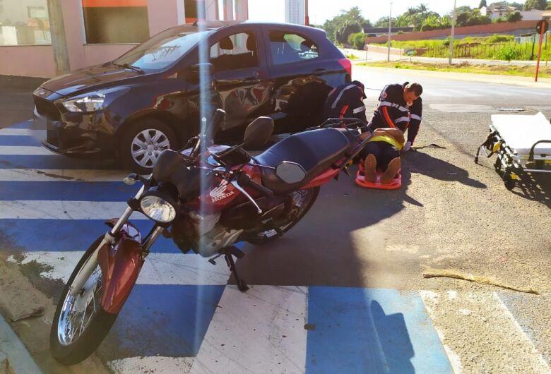 A caminho do trabalho, motociclista é vítima de acidente de trânsito