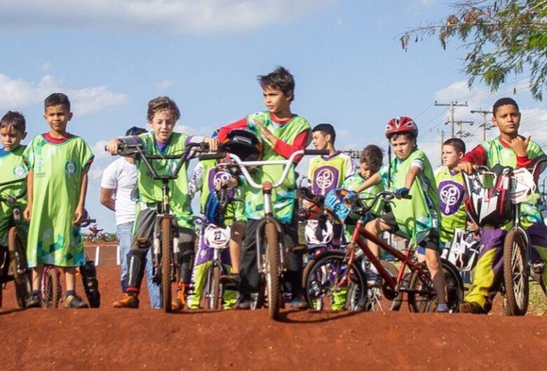 Associação São-carlense de Ciclismo suspende treinos