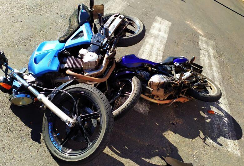 Colisão entre motos deixa uma pessoa ferida no Botafogo