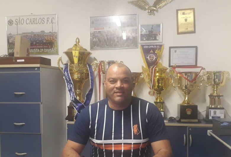 Com atividades de campo suspensas, atletas do São Carlos FC treinam em casa