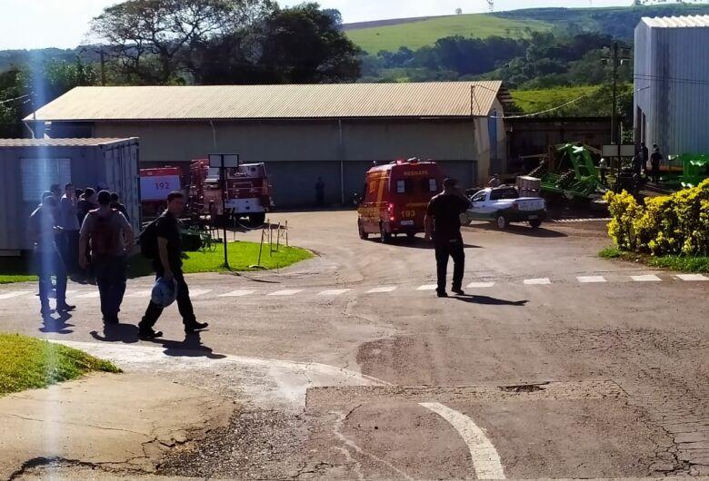 Trabalhador morre prensado por trator em fábrica de Água Vermelha