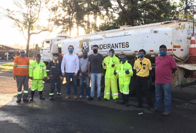 Vereador Rodson continua acompanhando os trabalhos de desinfecção de São Carlos