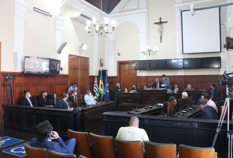 Em sessão extraordinária, Câmara aprova projetos de interesse da Prefeitura